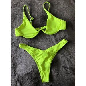 SHEIN Swim - Undewire Top with high leg bikini set